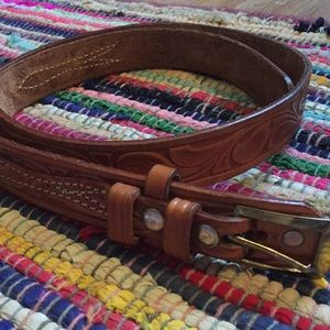 Vintage looper leather belt.